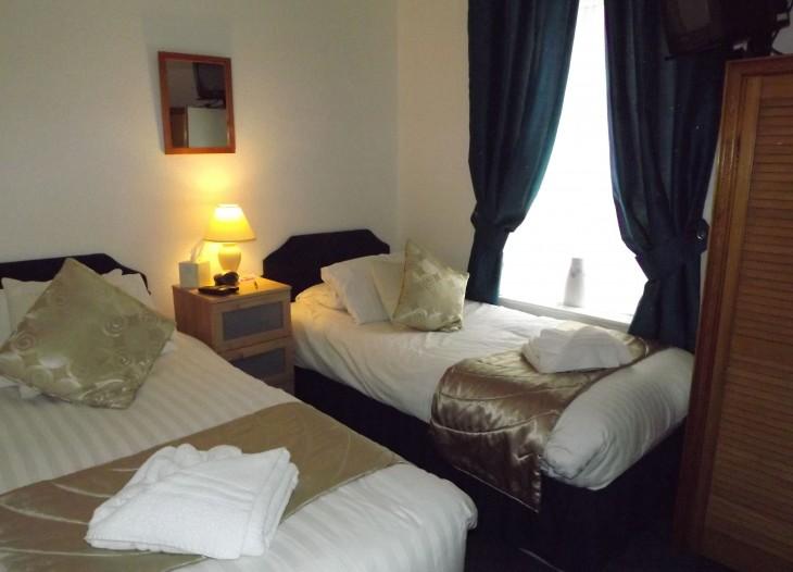 Standard Twin Room #1
